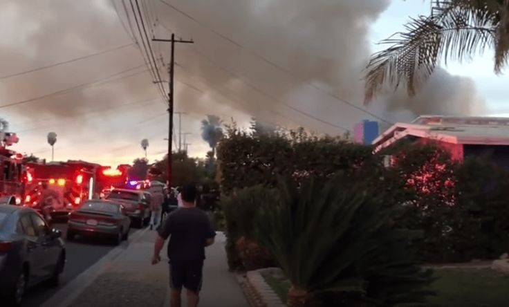 plane_crashes_into_house_in_san_diego