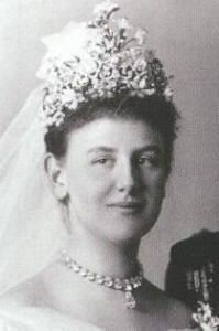 Queen Wilhelmina of the Netherlands wore the Stuart tiara for her wedding in 1901. The upper parts (the large diamonds set in a ring of smaller diamonds) of the tiara were removed for this occasion, including the Stuart diamond.