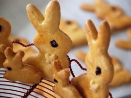 Πασχαλινά κουλουράκια - μεταμορφωμένα σε μπισκότα! | TasteFULL