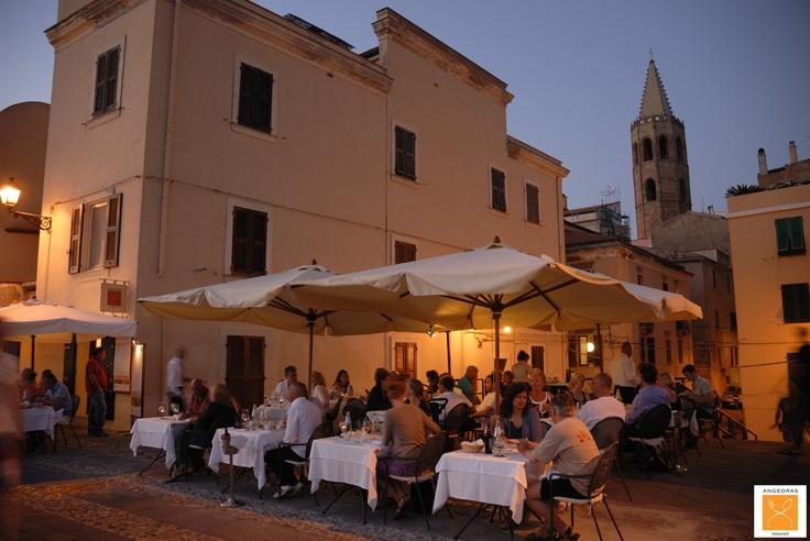 Angedras Restaurant I tavoli apparecchiati all'aperto sulla Terrazza