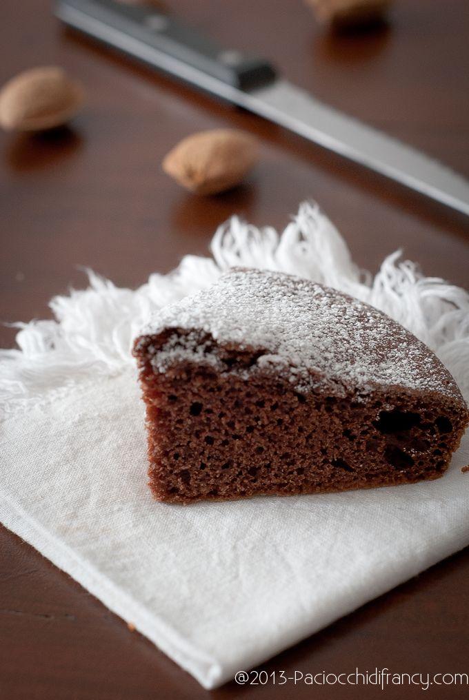 Torta al cacao e mandorle (senza uova, senza latte, senza burro, senza olio)