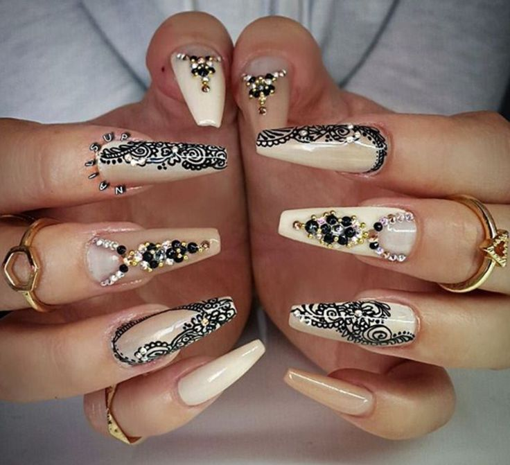 Nude coffin nails with henna design and gems - 732 Best Images About Nail's Nail's Nail's On Pinterest Nail Art