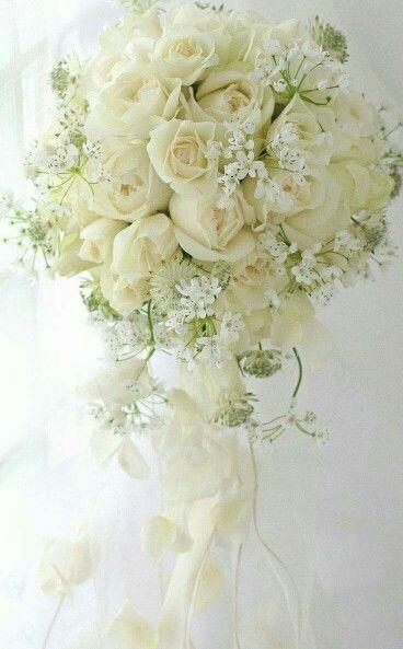 Espectacular bouquet de novias, ya no se usan muy grandes, pero para mí, la moda esta en tí y lo que desees. A mí me encanta.