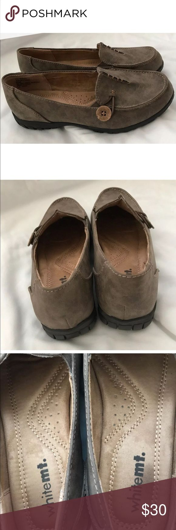 WHITEMT Women's Judo Stone Moccasins Size 6 1/2 Used in good condition.    Color: Grey.   Size 6 1/2. Shoes Moccasins