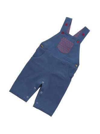 100% organic cotton twill. These woven dungarees have adjustable button up straps and a fab red star pocket on the front. Machine Washable.