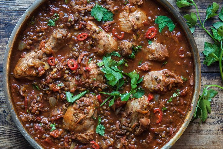 <em>For Moroccan spiced chicken and lentil one pot recipe in english scroll down to the bottom of this page</em> 👇🏾...