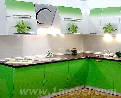 Проект угловой кухни от фабрики FreSco - это очень рациональная планировка и экономия пространства. И просто великолепный внешний вид! Советую посмотреть  http://www.kuhni-fresco.ru/proekty-kuhon/dizayner-evgeniya-tretyakova/206-proekt-uglovoy-kuhni.html