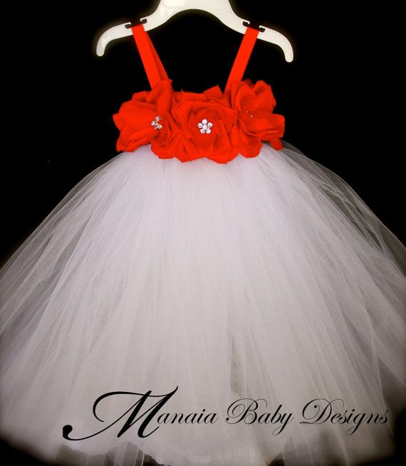 Hey, I found this really awesome Etsy listing at http://www.etsy.com/listing/114629194/christmas-tutu-dress-red-rose-christmas