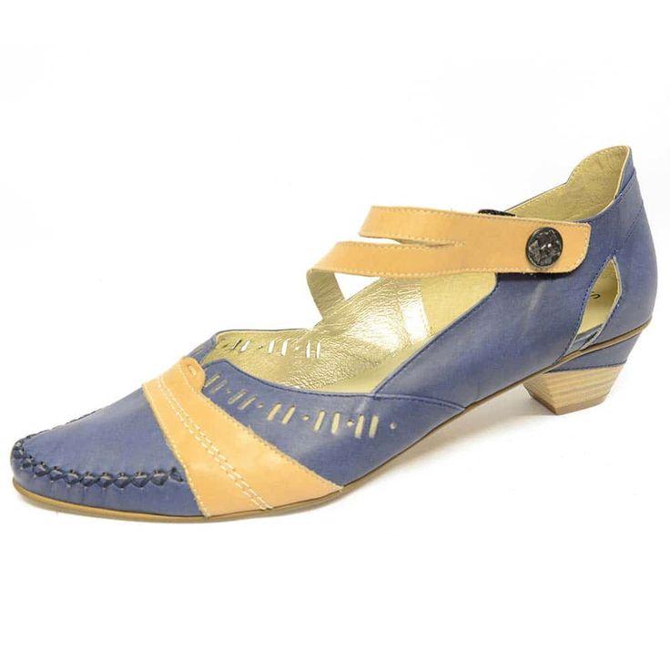 #trotteurs  #chaussure  #chaussurefemme  #grandetaille  #grandepointure  #femme  #mode  #gay #travesti  #femmes  #detente  #confort  #talonhaut  #talonplat