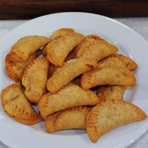 Chicken Pot Mini Pies - would make but use fresh pie crust and use low-fat milk for the roux instead of heavy cream to cut back on fat.  Could use leftover turkey from T-day too.  Basic fun recipe for the family.