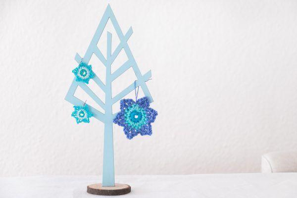 Pendientes azules de ganchillo en forma de estrella.   Blue Crochet earrings .   Mediterranean style.   Sommer.   @AngelesAntolin.