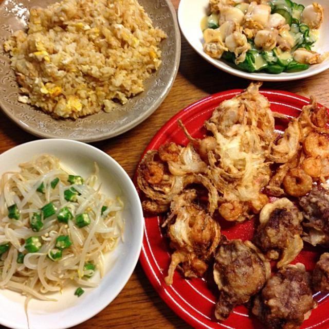かき揚げ美味しいな〜(*^^*)肉系の天ぷら作りたかったから牛肉の薄切りを天ぷらにしてみた〜もちろん美味しいです(笑) - 5件のもぐもぐ - ★かき揚げ&肉天★ホタテときゅうりの酢味噌和え★もやしとおくらのナムル★焼き飯 by kate397