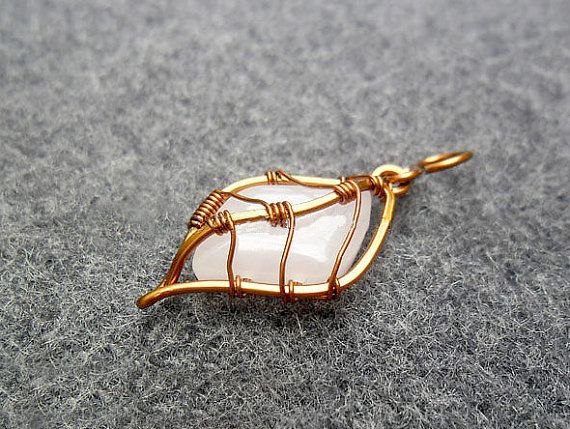 PRETTY LEAF pendant copper wire combined pink by MakeMyStyle