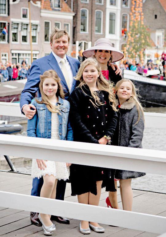 Koningsdag 2016: The Royal Family during the Kingsday celebrations in Zwolle, Netherlands. 27 april 2016