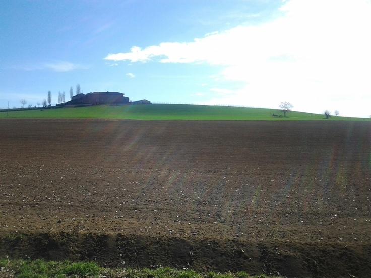 Panorama di Tonco, vicino all'azienda Il Tonchese