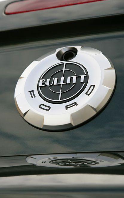 112_0801_20z-2008_ford_mustang_bullitt-rear_badge