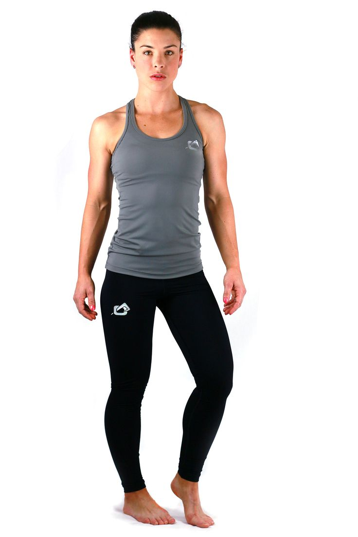 Lifestyle singlet matched with our black performance legging.