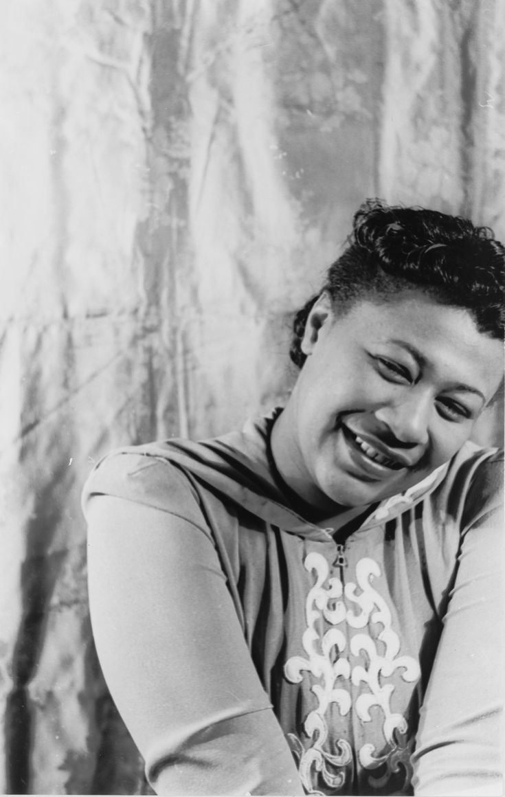 Ella Fitzgerald.  Ella, my love. [Great voice, great singer.]