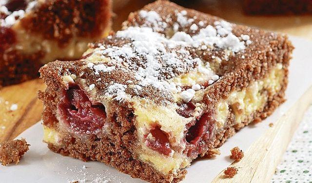 Hrnčekové pečenie: Tvarohový koláč s čerešňami | DobreJedlo.sk