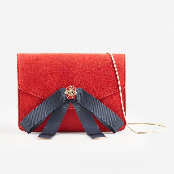 Sac orné d'un nœud en cuir et polyester, de Mango - Shopping mode: 30 sacs de soirée pour le temps des fêtes