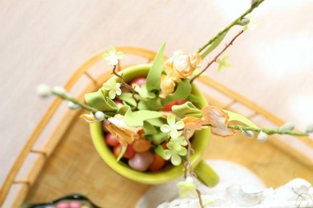 frische Blumen Tasse Serviertablett rustikale Tischdeko