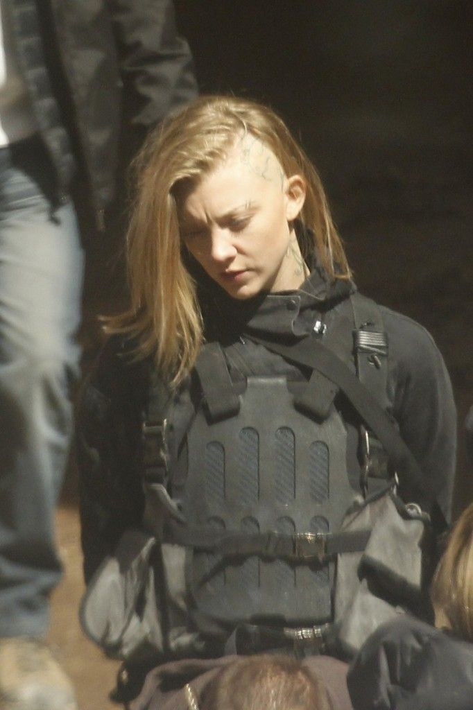 New Mockingjay Part 1 pictures from the set in Paris! (Natalie Dormer as Cressida)