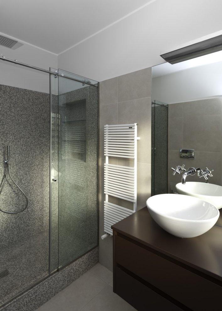 Modern #Bathroom. http://www.remodelworks.com/