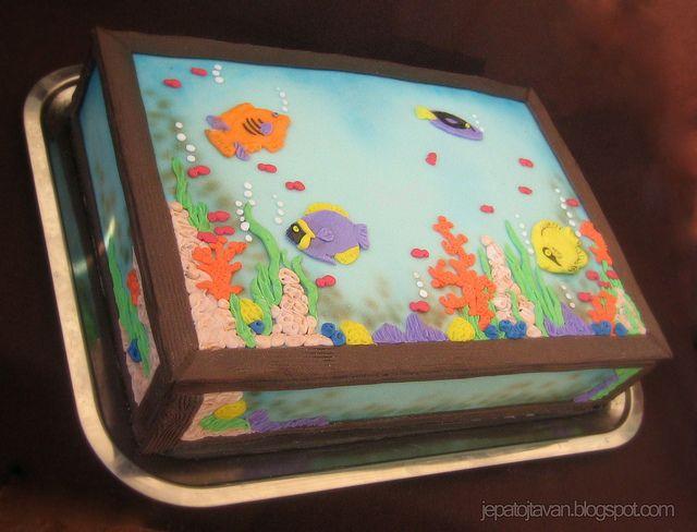 Best 25 aquarium cake ideas on pinterest sea cakes for Fish cake design