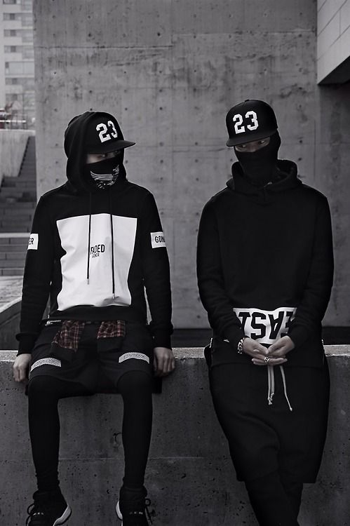 Follow for the best in streetwear #streetfashion