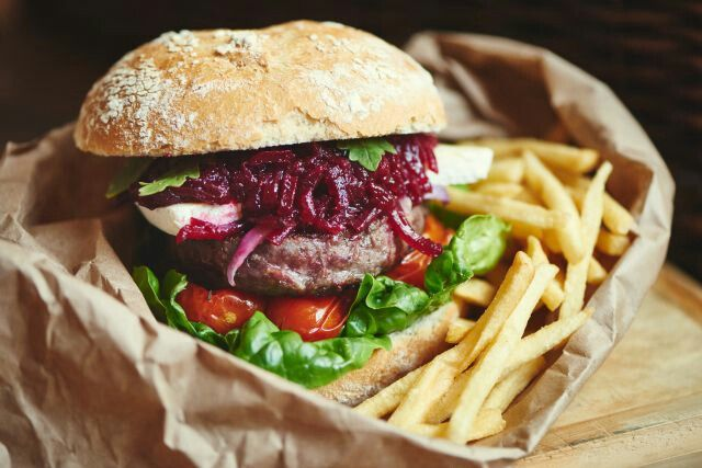 Burger with #unbeetable #beetrootchutney #relish_foods