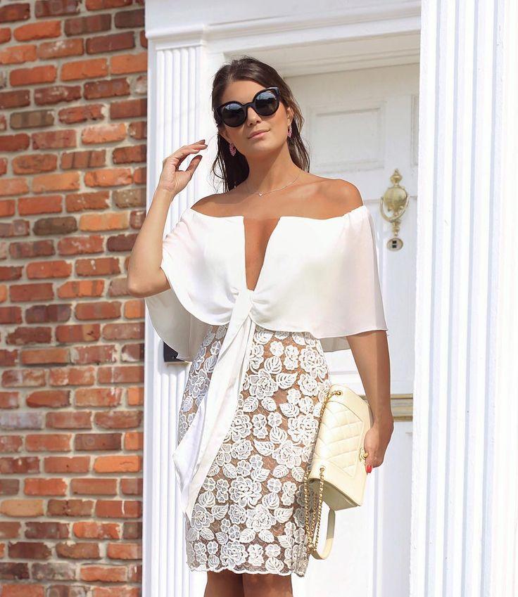 "12.7k Likes, 250 Comments - Blog Trend Alert (@arianecanovas) on Instagram: ""Dress @docemaria_oficial para loja @closetdamay ❤️ Ombro a ombro com decote de tule ❤️…"""