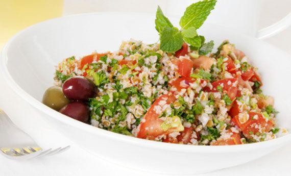 Insalata di quinoa con pomodorini e menta