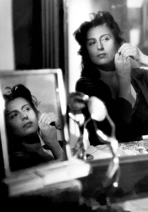 Anna Magnani │ Bellissima, 1952 OMG, this woman was sensual to the max, high spirited, and exemplified the fiery nature of Italian women. several fabulous movies with Burt Lancaster - amazing combination. - jc