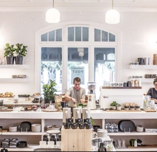 Café culture in Sorrento, Mornington Peninsula, Victoria, Australia. Photo: Sorrento_village