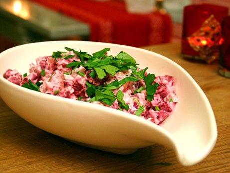 Rödbetssallad med pepparrot - Beetroot salad with apple and horseradish sauce