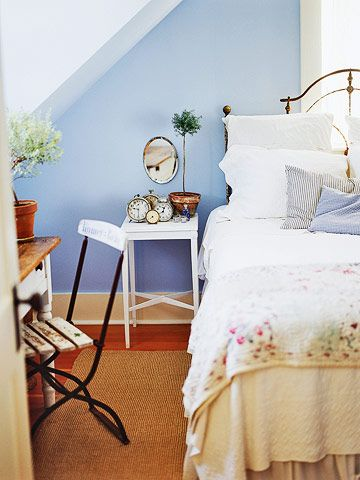 Sweet vintage in the guest room. A comfy night's sleep for my BFF!