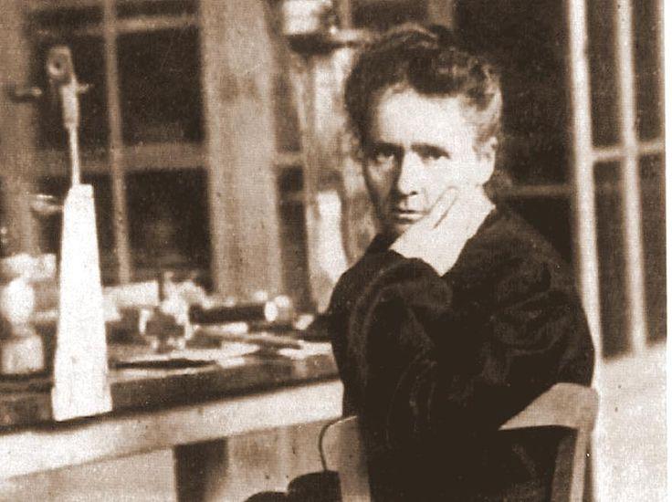 Po Jej śmierci Albert Einstein w pięknym eseju napisał, że była jedynym niezepsutym przez sławę człowiekiem, spośród tych, których przyszło mu poznać.(Maria Curie Sklodowska)