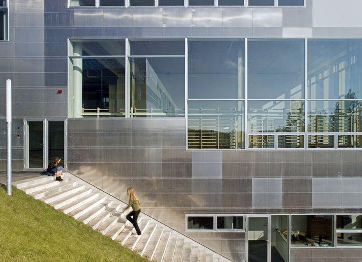 Erik Møller Arkitekter: Absalonskolen i Holbæk