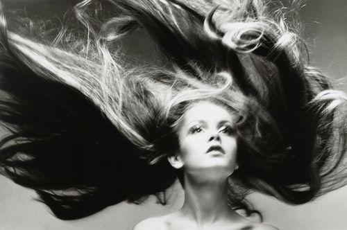 Richard Avedon. Twiggy, hair by Ara Gallant, Paris. January 1968