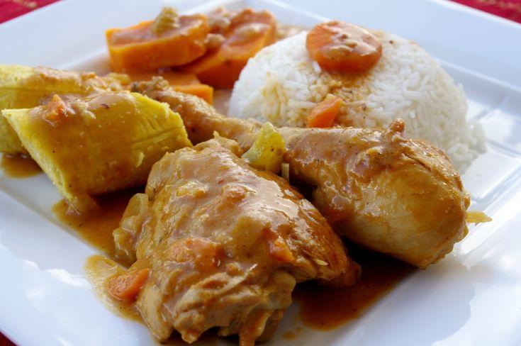 Mafé de poulet, aux patates douces et bananes plantains