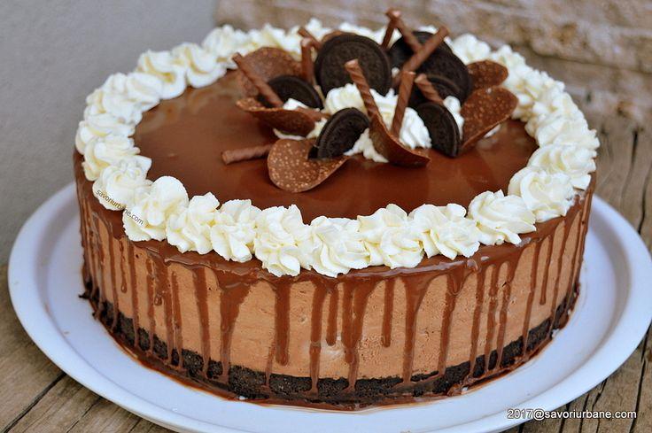 Tort Oreo cu mascarpone si ciocolata - fara coacere. O reteta de tort cu biscuiti Oreo, mousse de ciocolata cu mascarpone, frisca naturala, glazura oglinda
