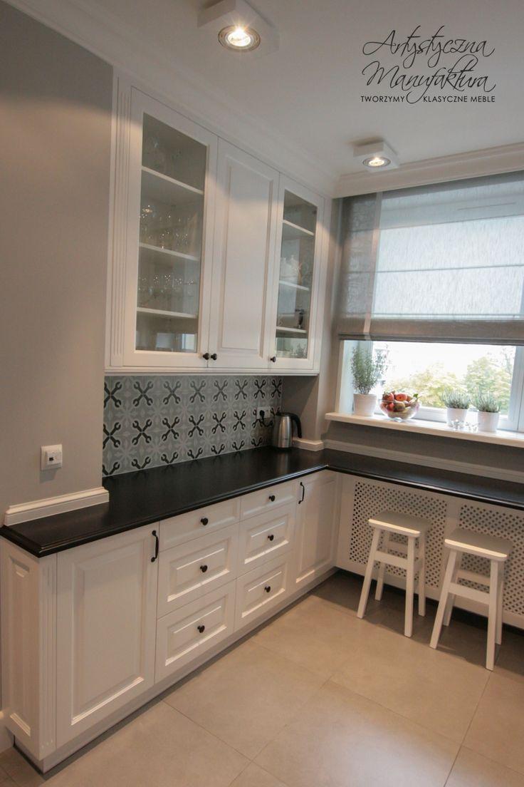 kuchnia klasyczna biała, kącik śniadaniowy kuchnie angielskie, breakfast nood, custom white kitchen, traditional kitchen cabinets