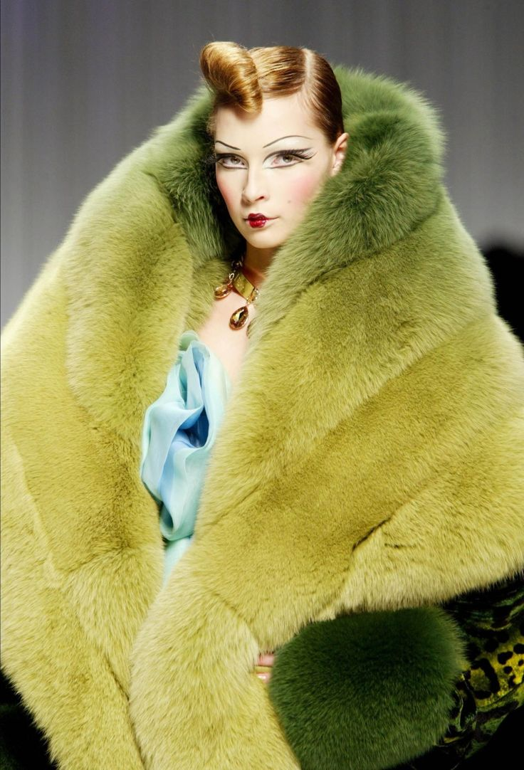 john galliano: John Galiano, Fabulous Fur, John Galliano, Green Fur, Galliano Greenandblu, Foxes Collars, Galliano Green And Blu, Chartreuse Fur, Colors Fur