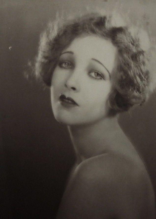 miss-flapper: Helen Twelvetrees photographed by Edwin Bower Hesser, 1925