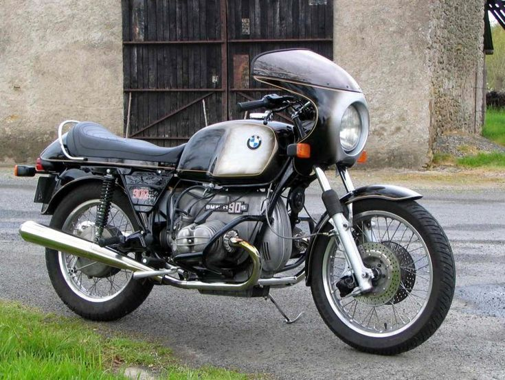 BMW R90S - just like  mine, same color and everything!