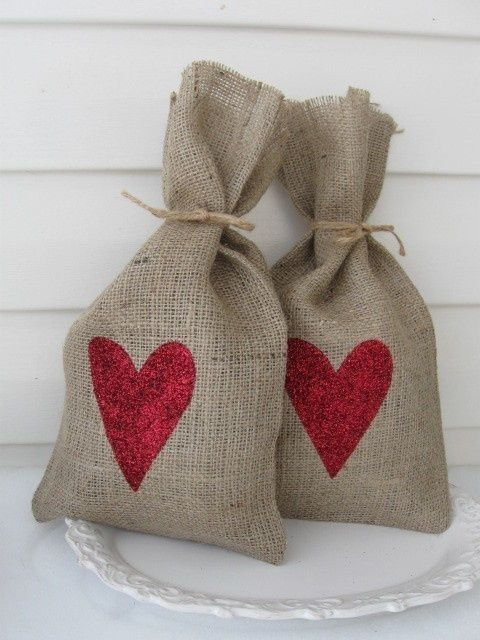 Burlap heart bags- So cute!  Lots of great burlap ideas here-