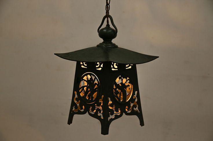 1970年製 ずっしりとした存在感が魅力的な銅製の吊り灯篭照明