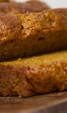 Vegan Pumpkin Bread | High in fiber, low in calories, full of nutrition