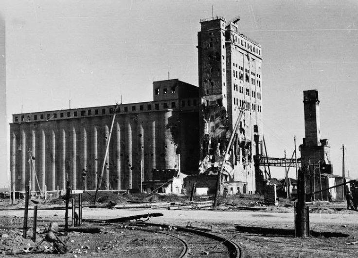 A Derrocada Alemã no Leste - A Sangrenta Batalha de Stalingrado - História Ilustrada O grande Silo de Grãos de Stalingrado, ainda era um ponto de resistência que os Alemães não tinham dominado.