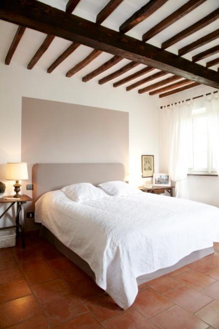Snapshot uit de reportage over Casa Capanni bij Cortona (Toscane, Italië), vanaf 24/5 te zien in WONEN Landelijke Stijl editie juni-juli 2012! (Foto: © Jonah Samyn)